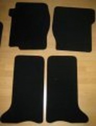Land Rover Discovery 2 (1999-2004) Tailored Black Premium Car Mats