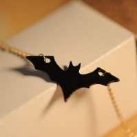 Bat Necklace Pendant Gift Gold Chain Retro Costume Jewellery Goth Black NEW